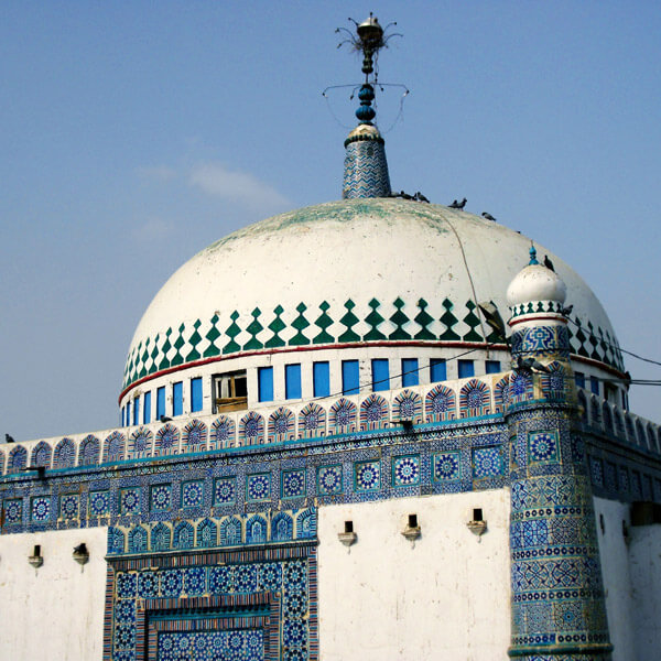 Tomb of Khawaja Awais Kagha - Multan